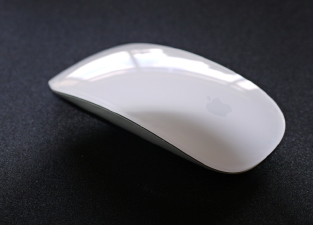 Apple's Magic Mouse brings multi-touch features to the desktop