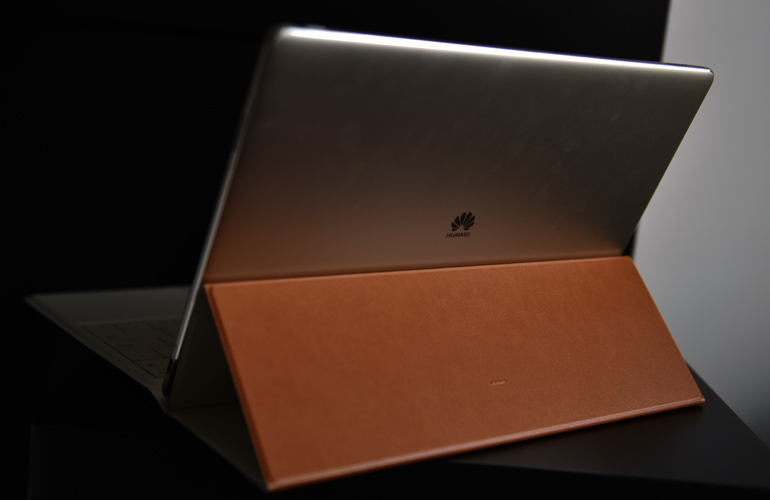 Huawei-MateBook-back