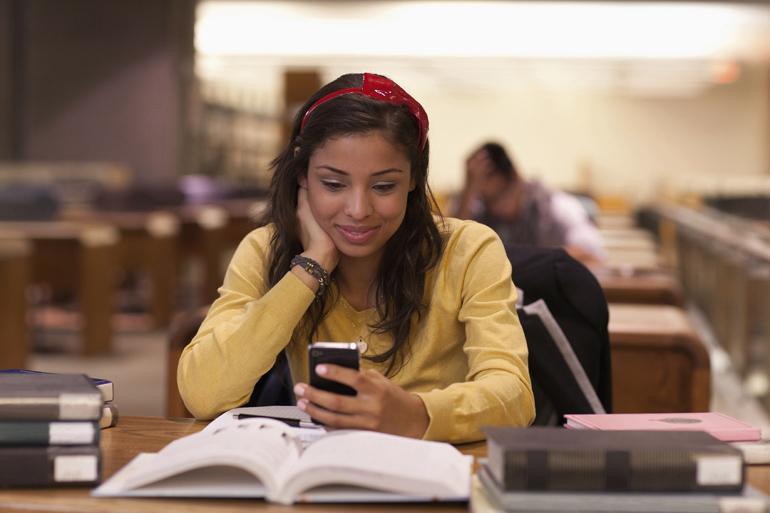 Smartphone-student-main