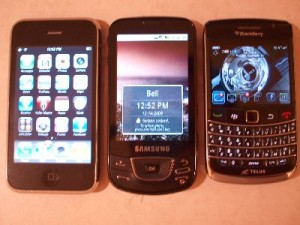 iPhone 3GS, Samsung Galaxy and Blackberry Bold 9700 size comparison