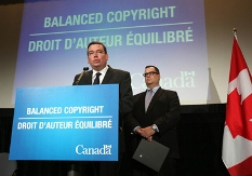 pix of governmentn leaders making copyright announcement