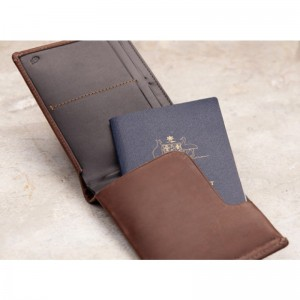 travel-wallet-cocoa-2_large.1377577082