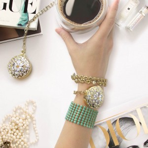 Misfit Flash with BaubleBar Helena Necklace and Bracelet