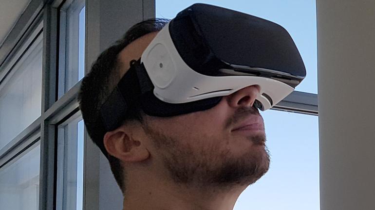 Gear-VR-worn