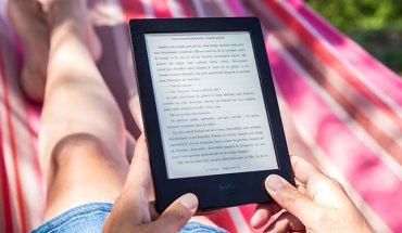 Reviewing the Kobo Libra H2O | WhatsYourTech ca